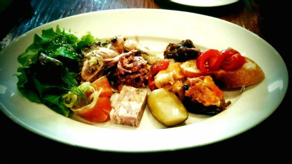食事会の料理画像(2)